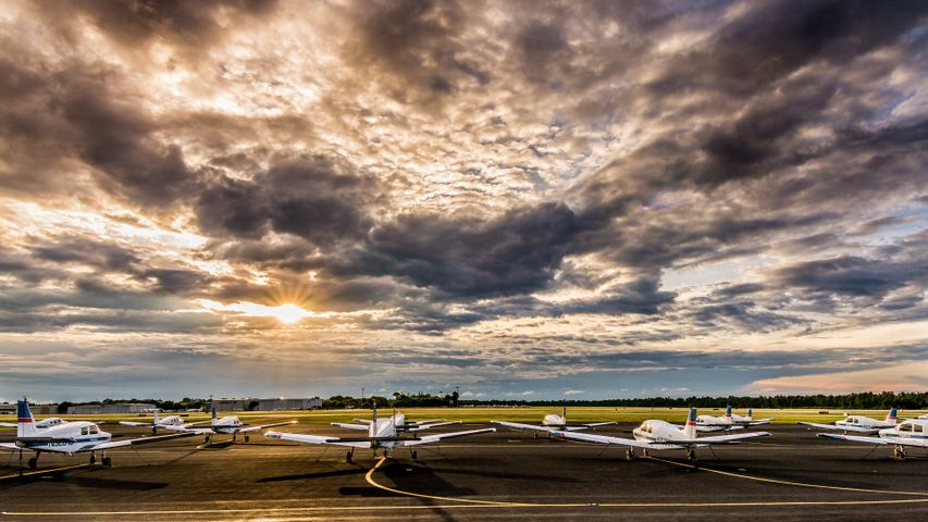 sky outdoor plane aircraft cloud airplane vehicle cloudy