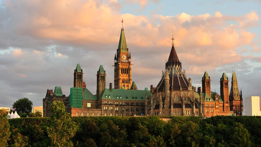 Parliament Building in Ottawa at sunset