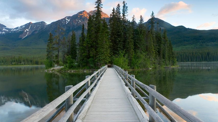 Pyramid Lake in Jasper National Park, Alta.