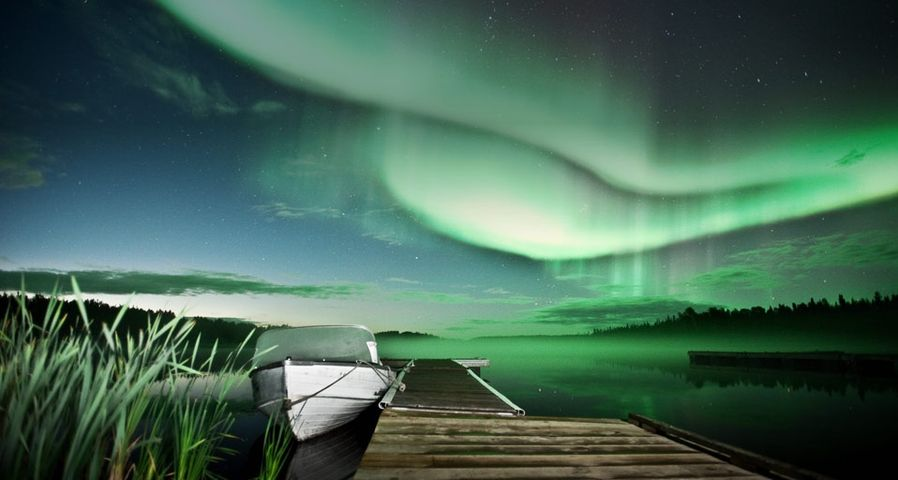 Aurora borealis over Vee Lake near Yellowknife, Canada