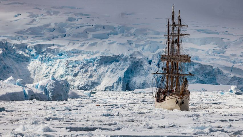 The Europa sails the Penola Strait, Antarctic Peninsula, Antarctica