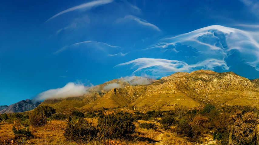 Cirrus clouds over Guadalupe Mountains National Park, Texas