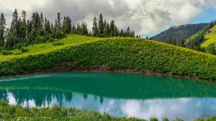 Spoon Lake, Mt. Cheam, Chilliwack, BC, Canada