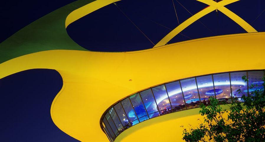 Das Encounter Restaurant am internationalen Flughafen von L.A. (LAX) sieht aus wie ein Ufo, Los Angeles, Kalifornien