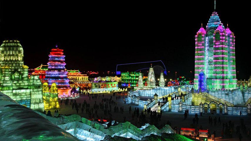 「ハルピン氷祭り」中国, 黒竜江省