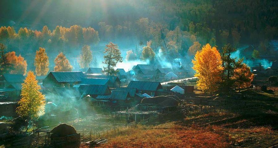携程&MSN十年旅行摄影大赛作品精选:新疆白哈巴村的清晨