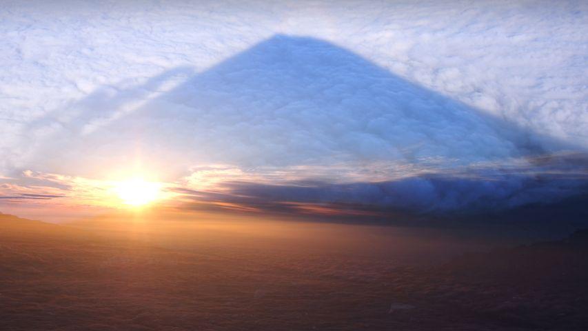 「雲海に映る影富士」山梨県, 南都留郡鳴沢村