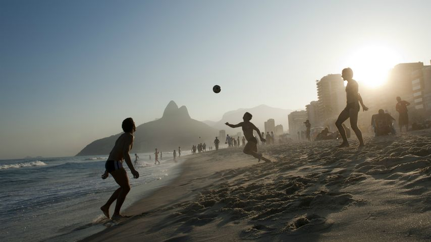 Football sur la plage de Rio de Janeiro, Brésil