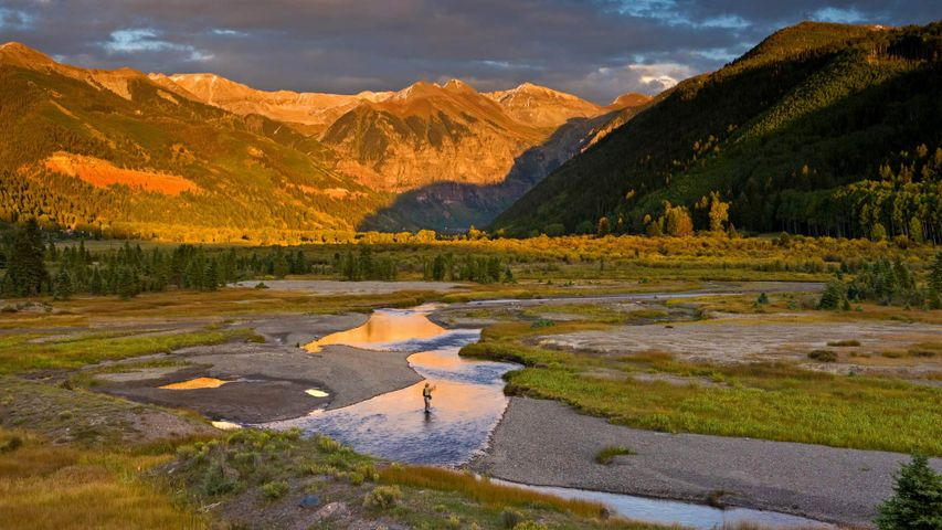 Pêche à la mouche sur la rivière San Miguel, Colorado