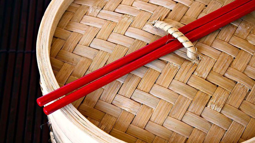 红筷子和蒸笼,中国