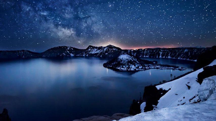 Milky Way above Crater Lake, Oregon, USA