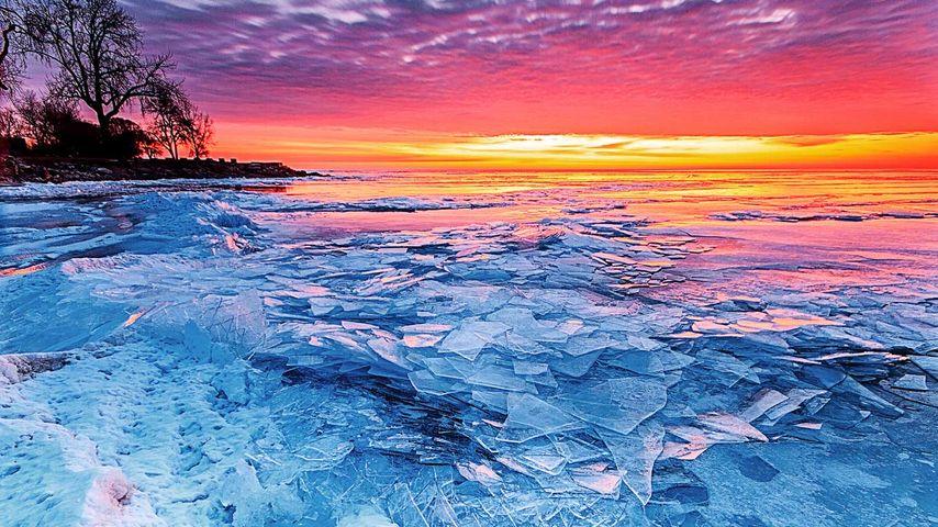 冰与火,冻结的伊利湖上空的朝阳