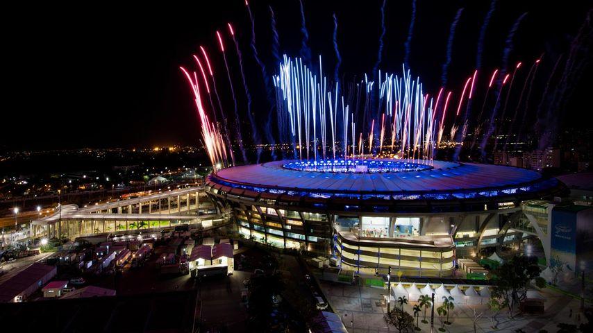 Feuerwerk über dem Maracanã-Stadion, Rio de Janeiro, Brasilien