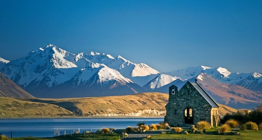 The Church of the Good Shepherd on Lake Tekapo with Mount Cook National Park in the background on the South Island of New Zealand