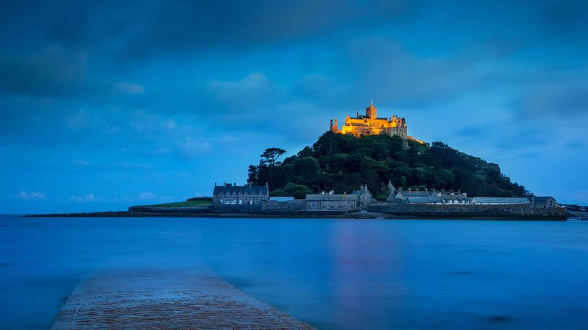 Twilight over St Michael's Mount in Mount's Bay, Cornwall
