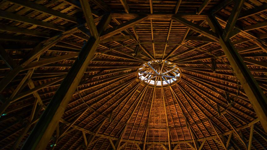 马林维尔的Fromme-Birney Round Barn博物馆的内顶,堪萨斯州,美国