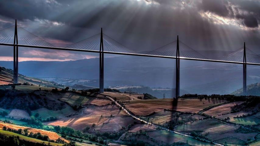 「ミヨー橋」フランス, ミヨー