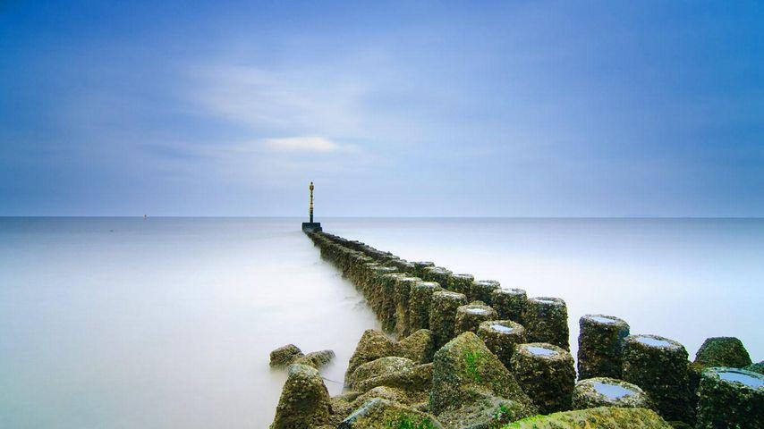 拍摄于中国上海海岸线附近