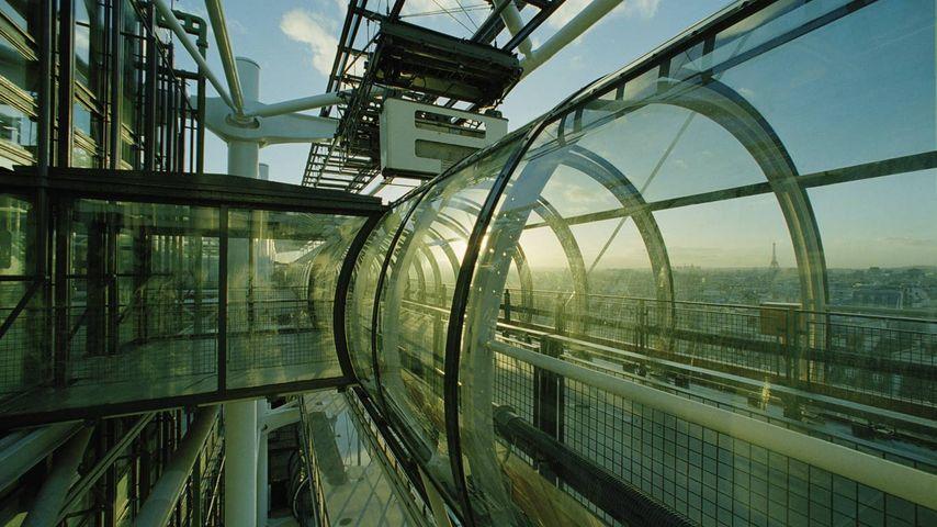 La « Chenille », escalier mécanique du Centre Pompidou, Paris