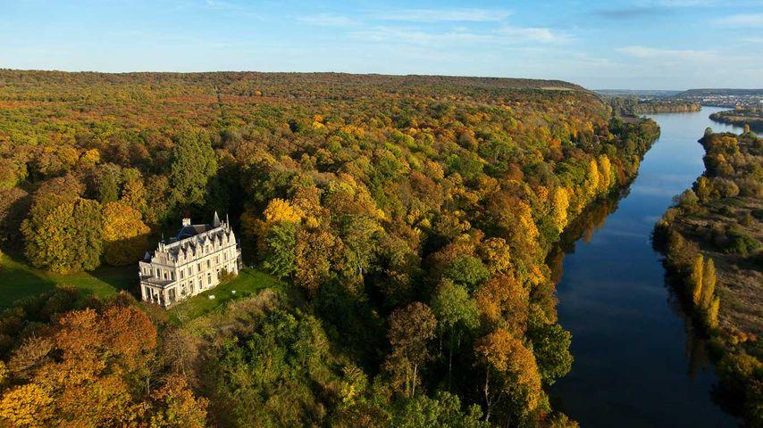 Château de la Madeleine au bord de la Seine, Pressagny-l'Orgueilleux, Normandie