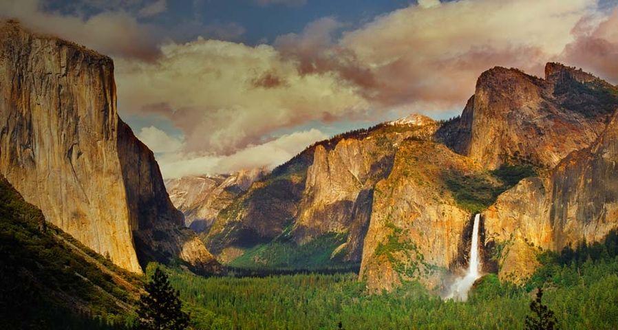 Bridal Veil Falls in Yosemite National Park, California, USA