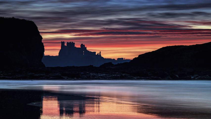 Tantallon Castle at sunset from Seacliff Beach, East Lothian