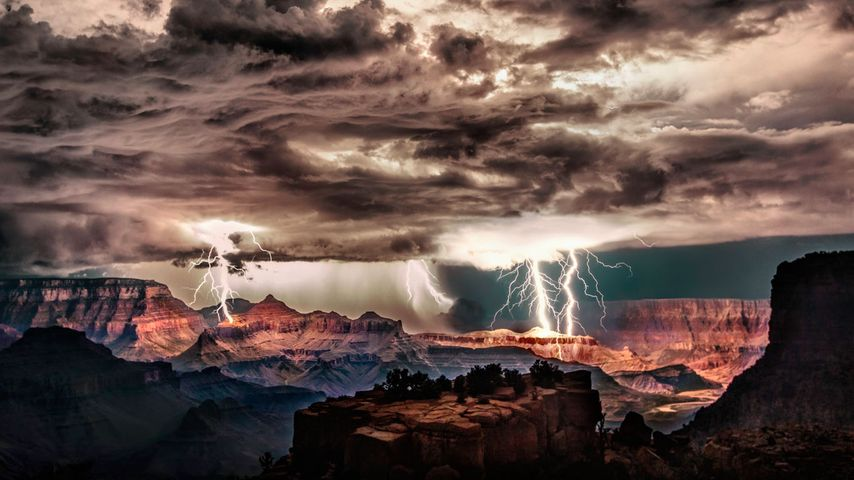 Orage au-dessus du parc national du Grand Canyon, Arizona, États-Unis