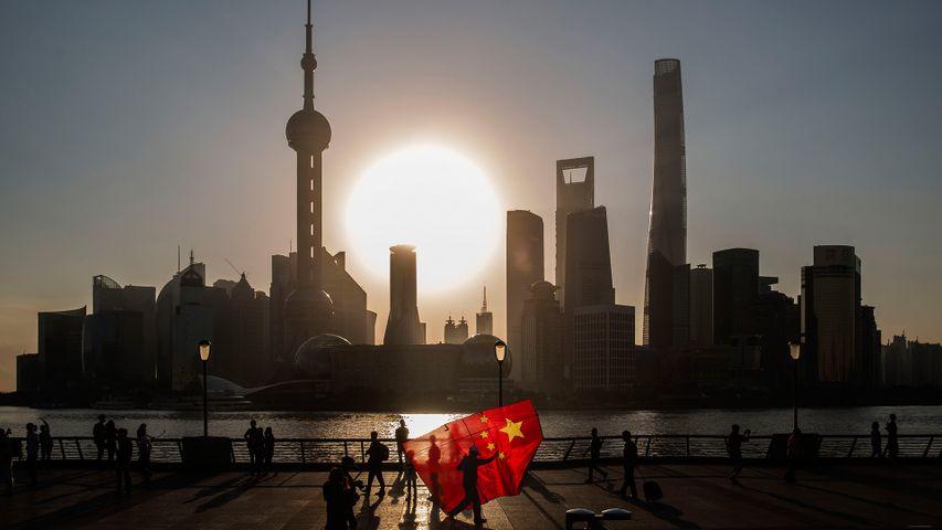 【今日国庆节】放国旗风筝的人,中国上海