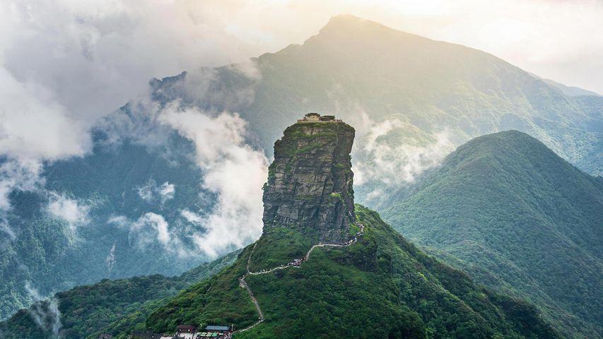 武陵山脉的最高峰梵净山,中国西南