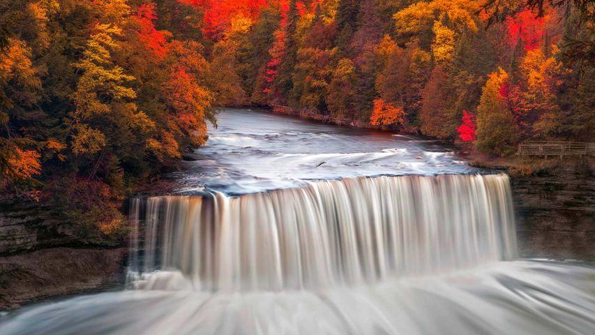 Die Upper Tahquamenon Falls im Tahquamenon Falls State Park, Michigan, USA