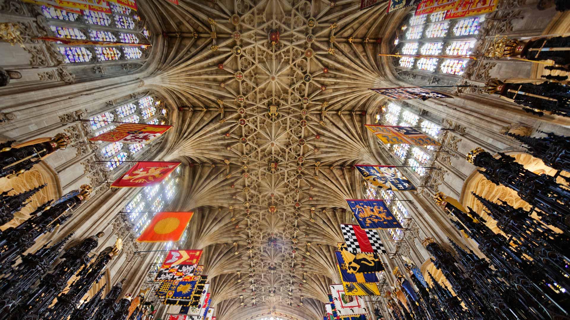 「聖ジョージ礼拝堂の天井」イギリス バークシャー州 ウィンザー城 Peapix