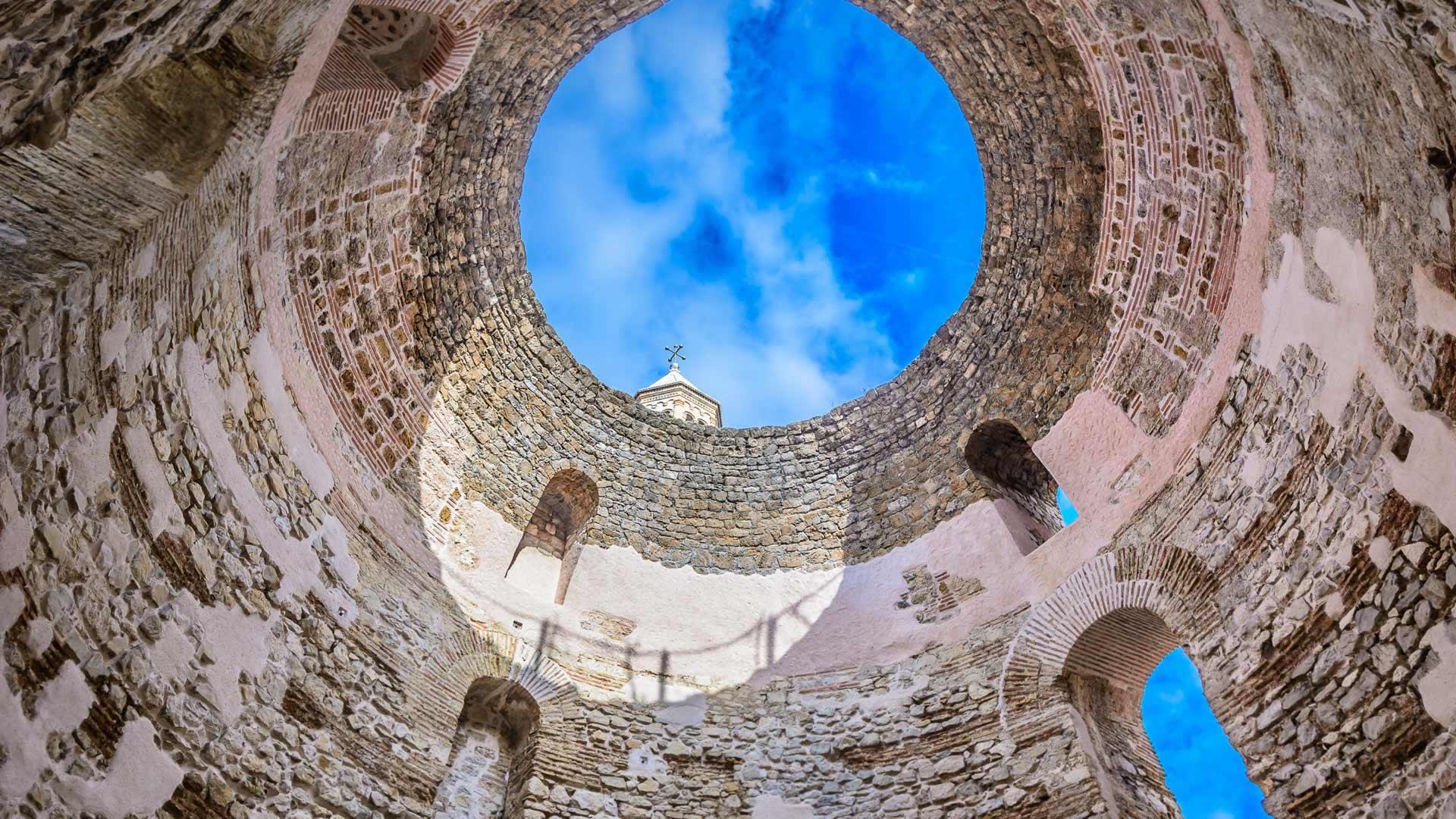 The Vestibule At Diocletian S Palace Split Croatia Peapix
