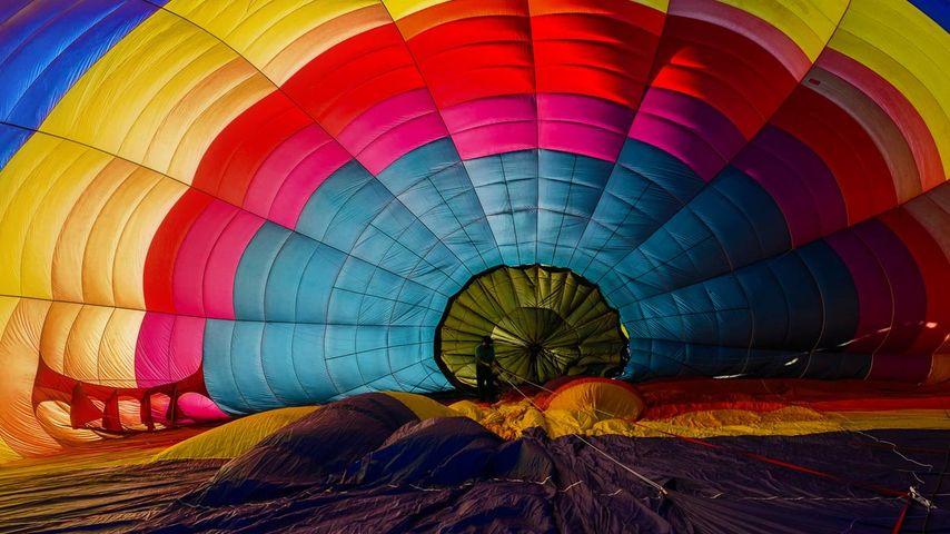 华盛顿州,温思罗普气球节上正在充气的热气球