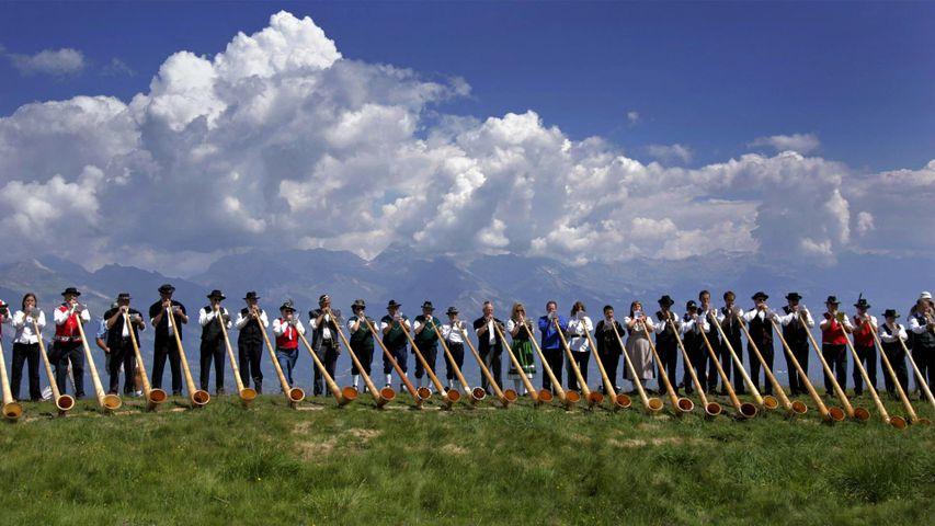 Cornistes lors du festival international de Cor des Alpes à Nendaz, Suisse