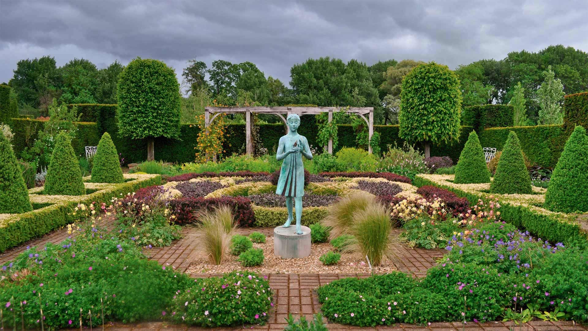 Waterperry Gardens in Oxfordshire, England