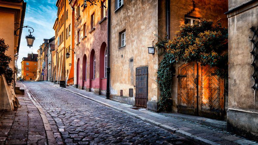 Street Views PREMIUM 4K Theme for Windows 10