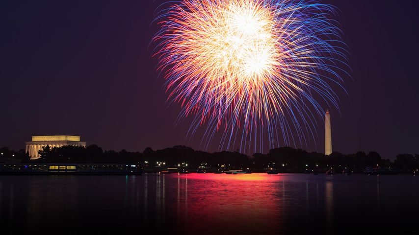 Fireworks over the Potomac River in Washington, DC