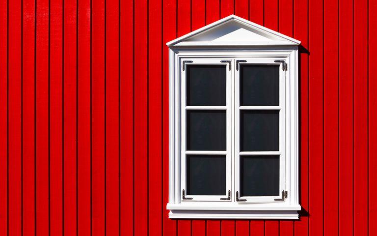 building red house door window