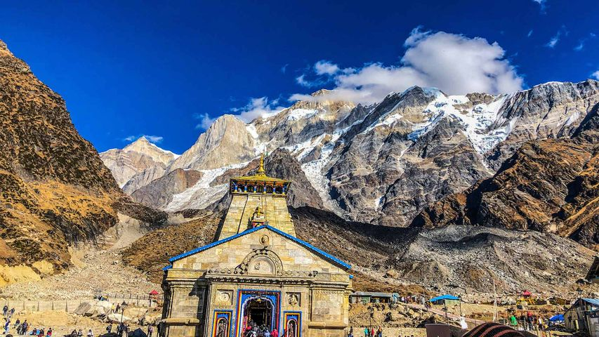 Kedarnath temple and mountains in Uttarakhand, India