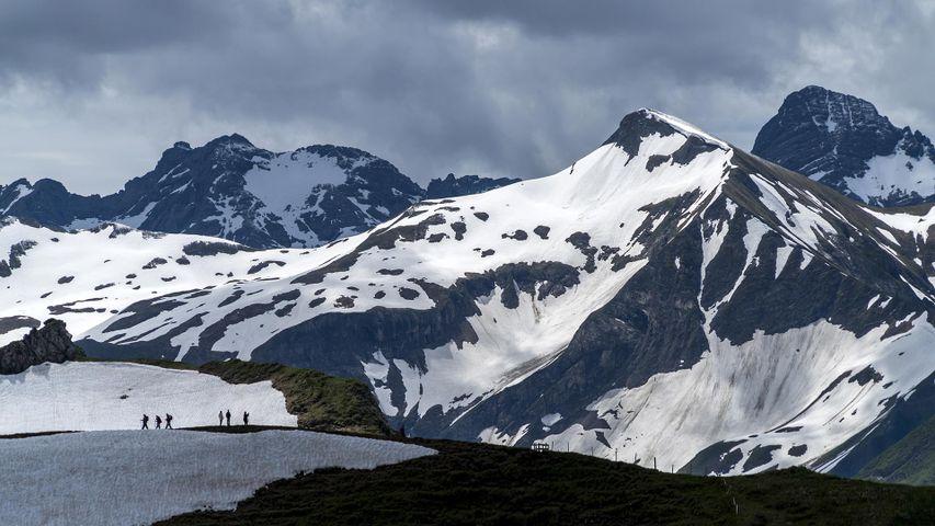 Wandergruppe in den Allgäuer Alpen bei Oberstdorf, Bayern, Deutschland