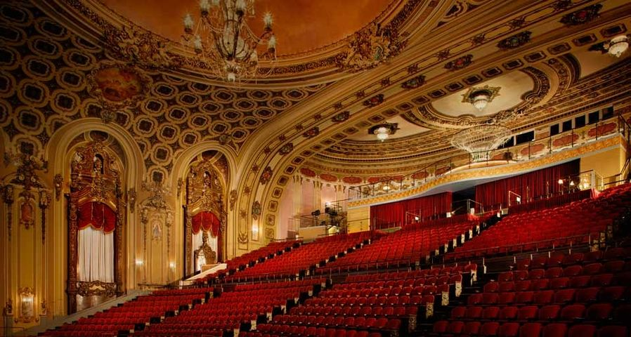 Zuschauerraum des Midland-Theaters in Kansas City, Missouri – Michael Robinson/Corbis ©