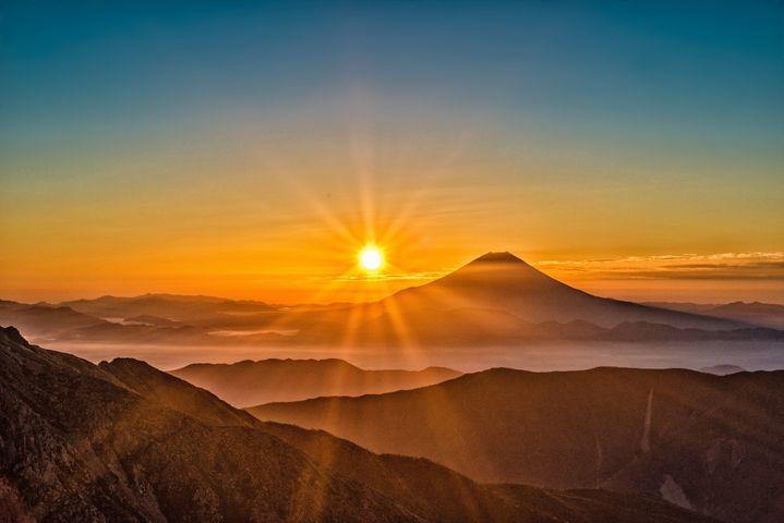 sky outdoor mountain landscape cloud nature fog sunrise