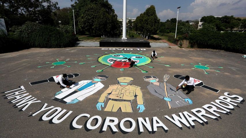 Artists of the Music and Fine Arts Institute, Jammu, paint 'Thank You Corona Warriors'