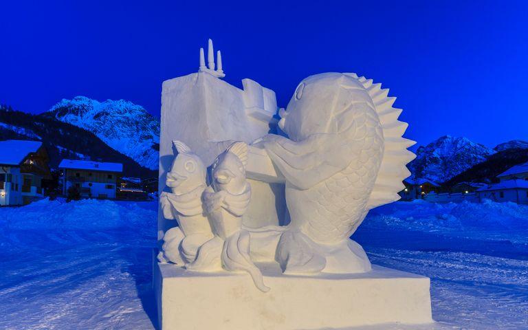 Snow Sculptures Theme for Windows 10