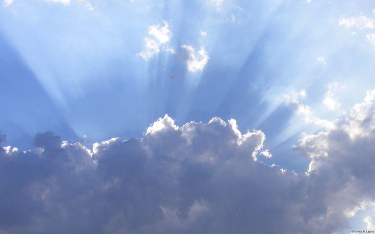 Community Showcase Dramatic Skies 2 Windows Theme