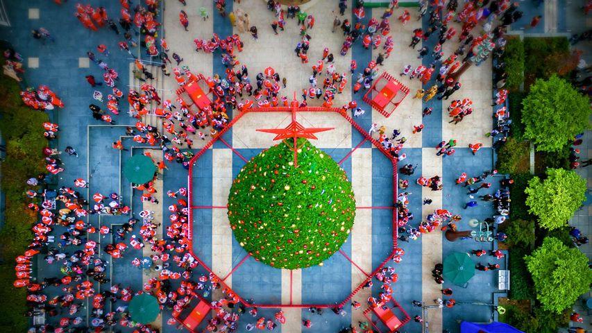 Réunion de Pères Noël à Union Square, San Francisco, Californie, États-Unis