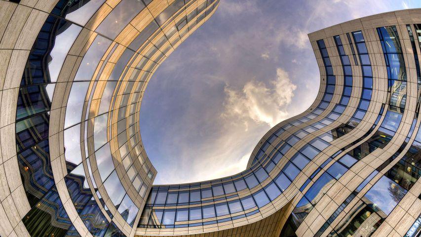 Büro- und Gewerbegebäude, Kö-Bogen nach Entwürfen von Architekt Daniel Libeskind, Düsseldorf, Nordrhein-Westfalen