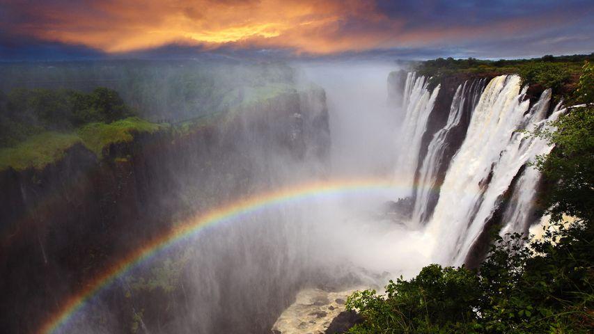 Arcoíris en las cataratas Victoria, Zambia