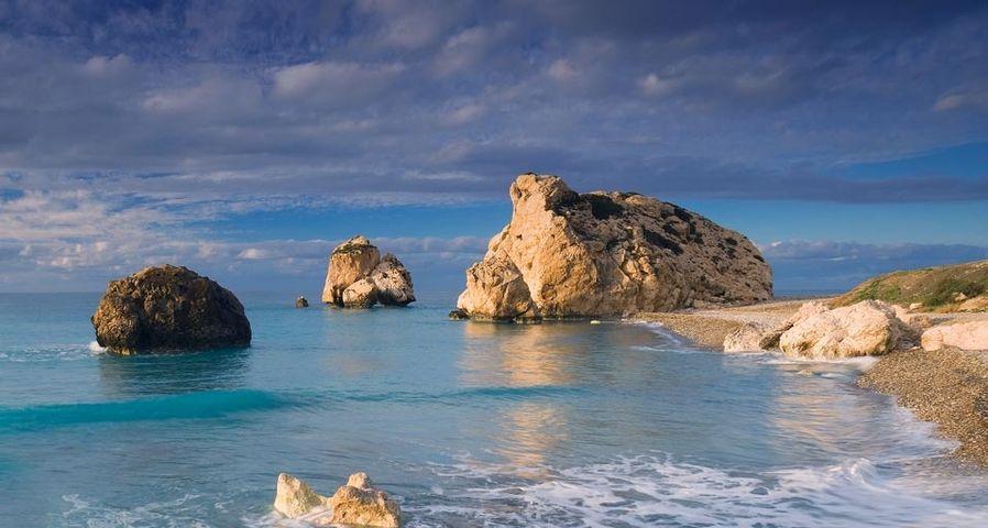 Der Felsen der Aphrodite in der Bucht von Paphos, Zypern – Riccardo Spila/Corbis ©