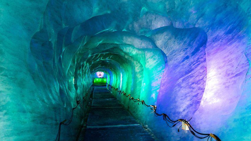 Grotte de la Mer de Glace, Chamonix, France